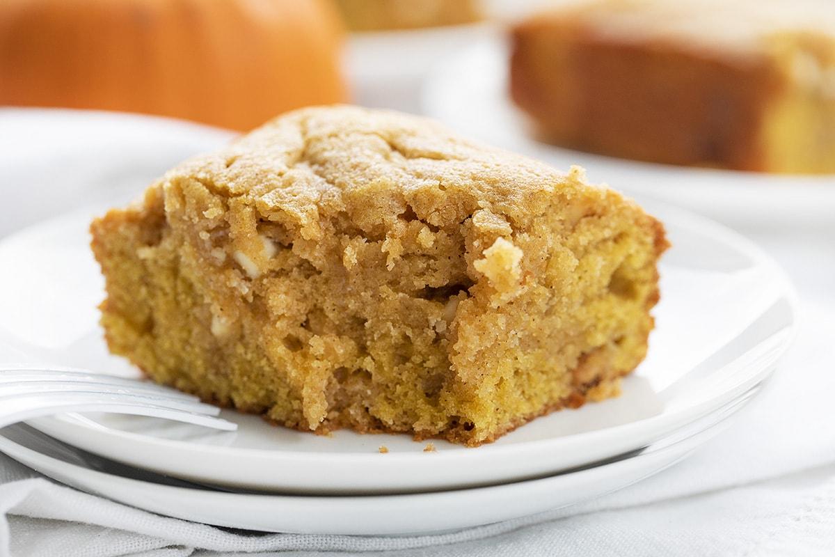 Pumpkin Spice Snack Cake | i am baker