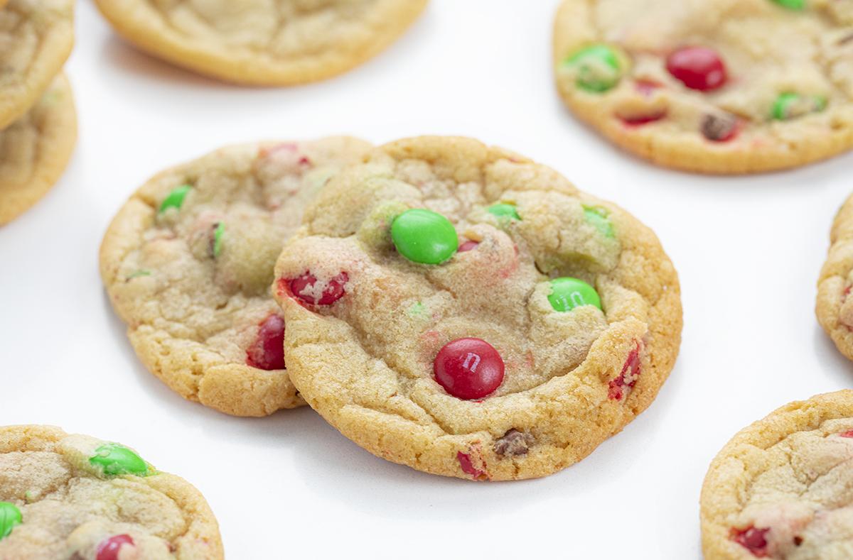Christmas M&M Cookies | i am baker