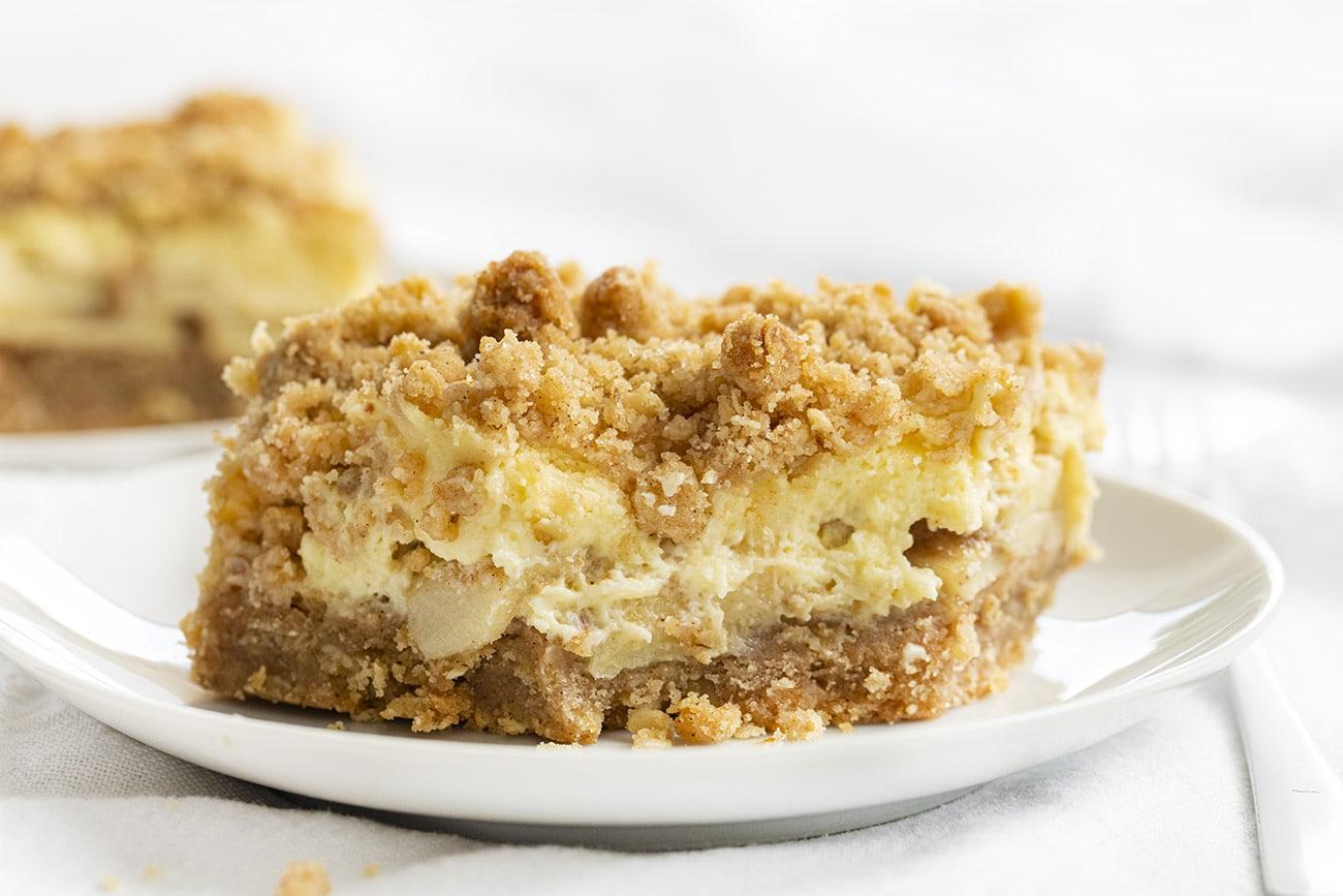 Apple Cream Cheese Bars | i am baker