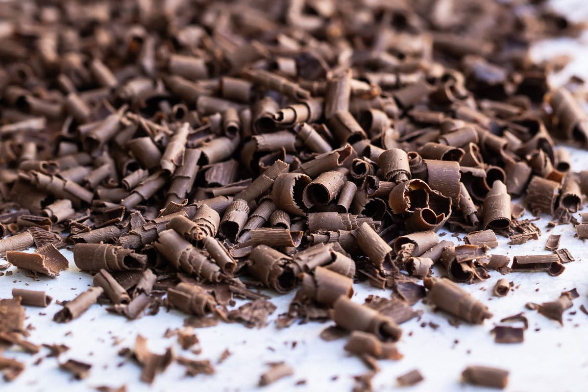 How to Make Chocolate Curls | Culinary Hill