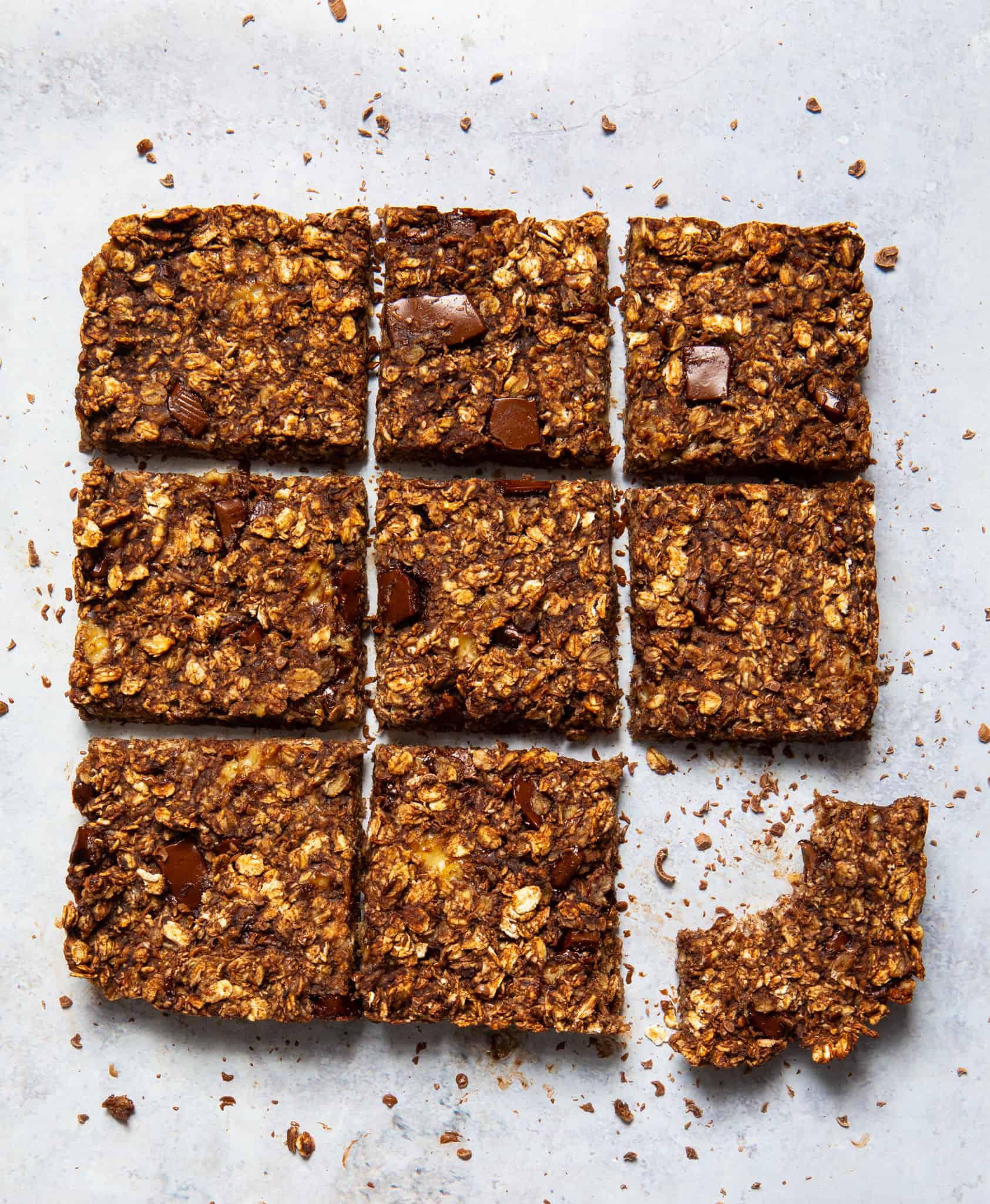 5 Ingredient Chocolate Flapjacks - gluten-free & vegan ready in 20 mins!